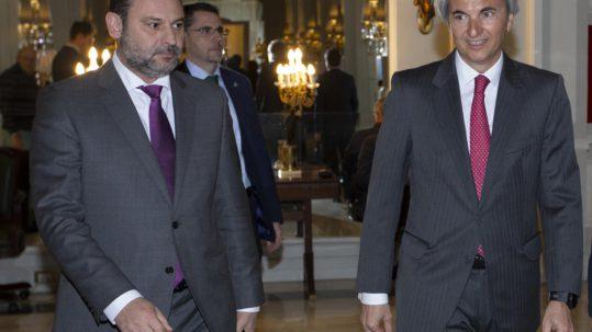 foto-ministro-de-fomento-abalos-con-presidente-de-la-fundacion-conexus-manuel-broseta