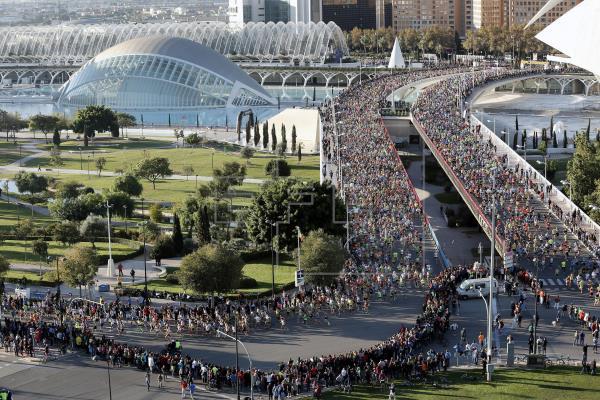 la-comunitat-valenciana-polo-de-turismo-deportivo-en-españa-en-la-imagen-maraton-de-valencia