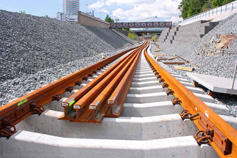 adif-adjudica-por-291,5-millones-obras-en-el-tramo-la-encina-valencia-del-corredor