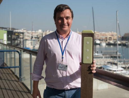 la-empresa-valenciana-nightway-crea-balizas-con-plastico-reciclado-que-brillan-en-la-oscuridad