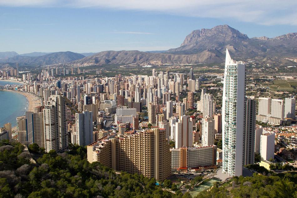 las-islas-y-la-comunidad-valenciana-lideran-la-compra-de-viviendas-por-extranjeros