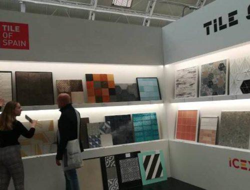 el-azulejo-castellonense-se-vende-en-londres-con-ocho-empresas-ascer-la-camara-e-ivace