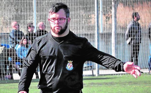 daniel-alcaraz-arbitro-valenciano-que-rompe-barreras