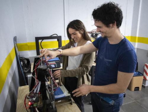 talleres-falleros-fabrican-piezas-de-proteccion-para-sanitarios